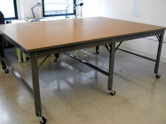 Carlson design phillocraft vacuum tables for Mobile beauty therapist table